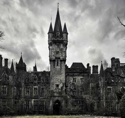 Abandoned Castle Azriel MeltingMindz