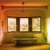 Dilapidated Room Escape EscapeGamesZone