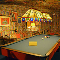 Trippy Room Escape HiddenOGames